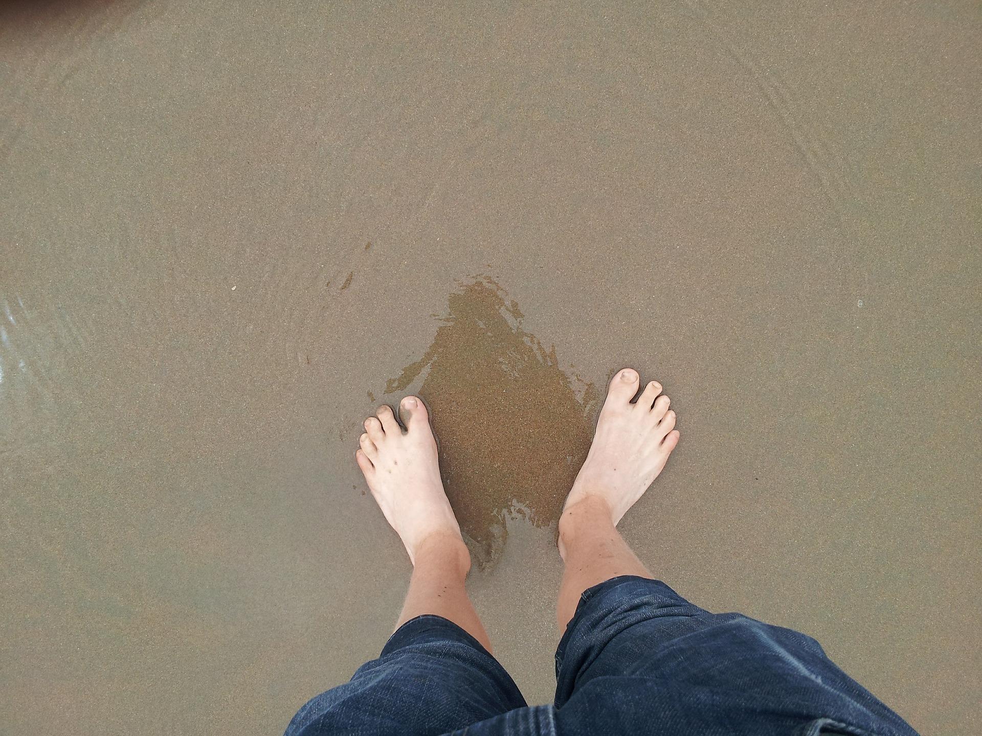 feet-381121_1920