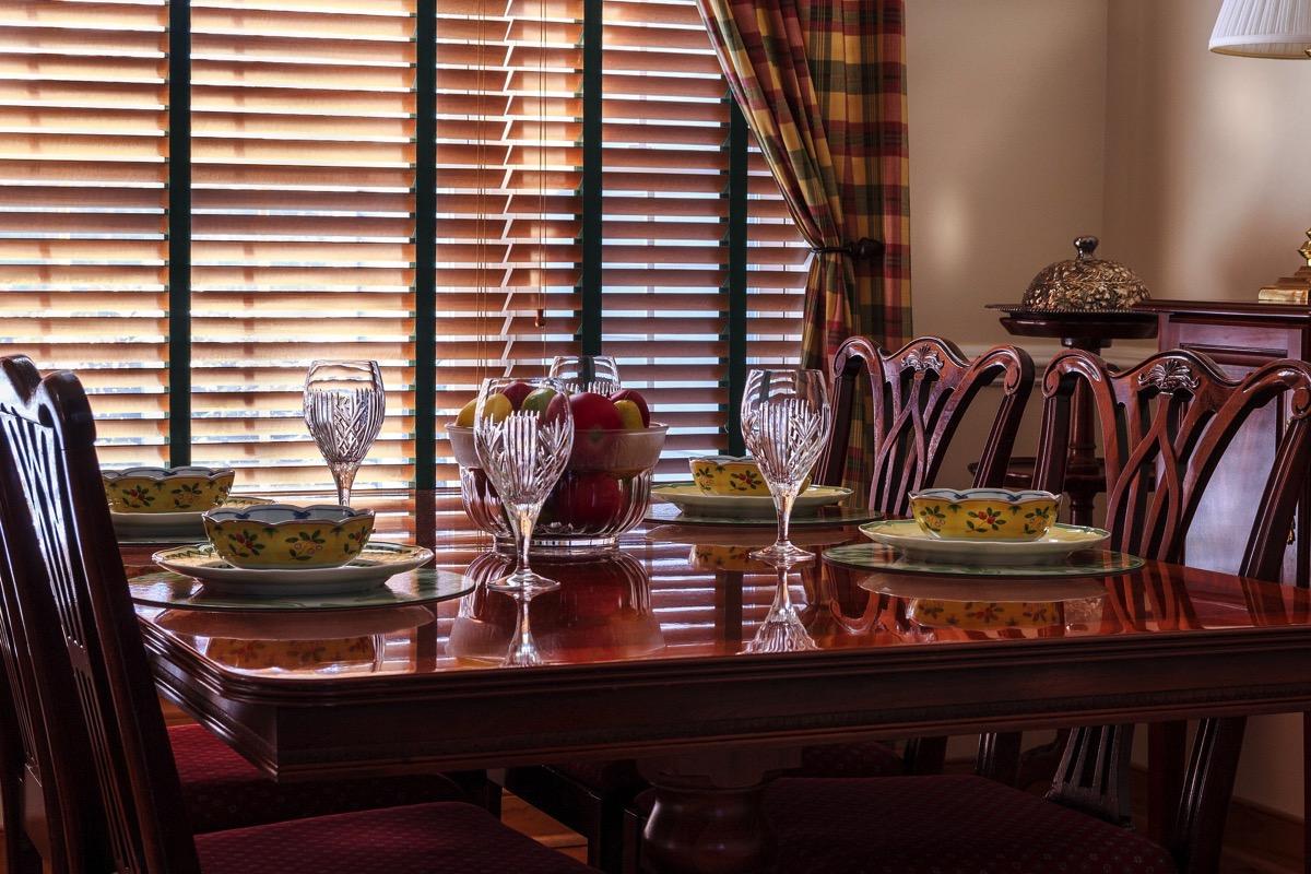 Dinner table 663435 1920