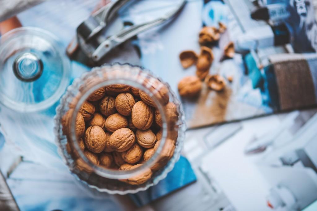 walnuts-791594_1920