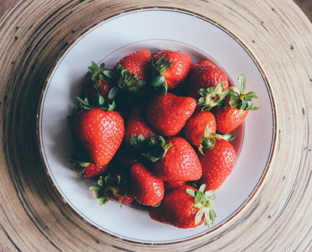 strawberries-909498_1920